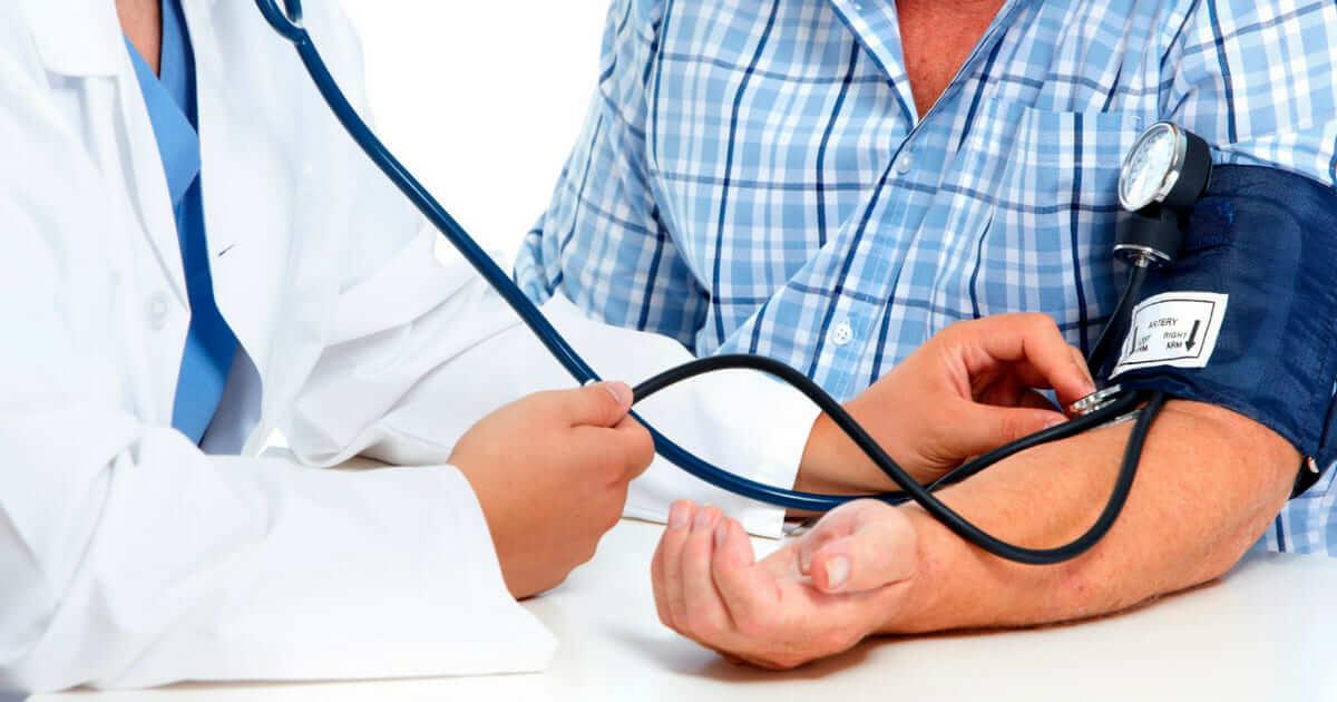 A hipertensão arterial pode ser um sinal precoce de demência