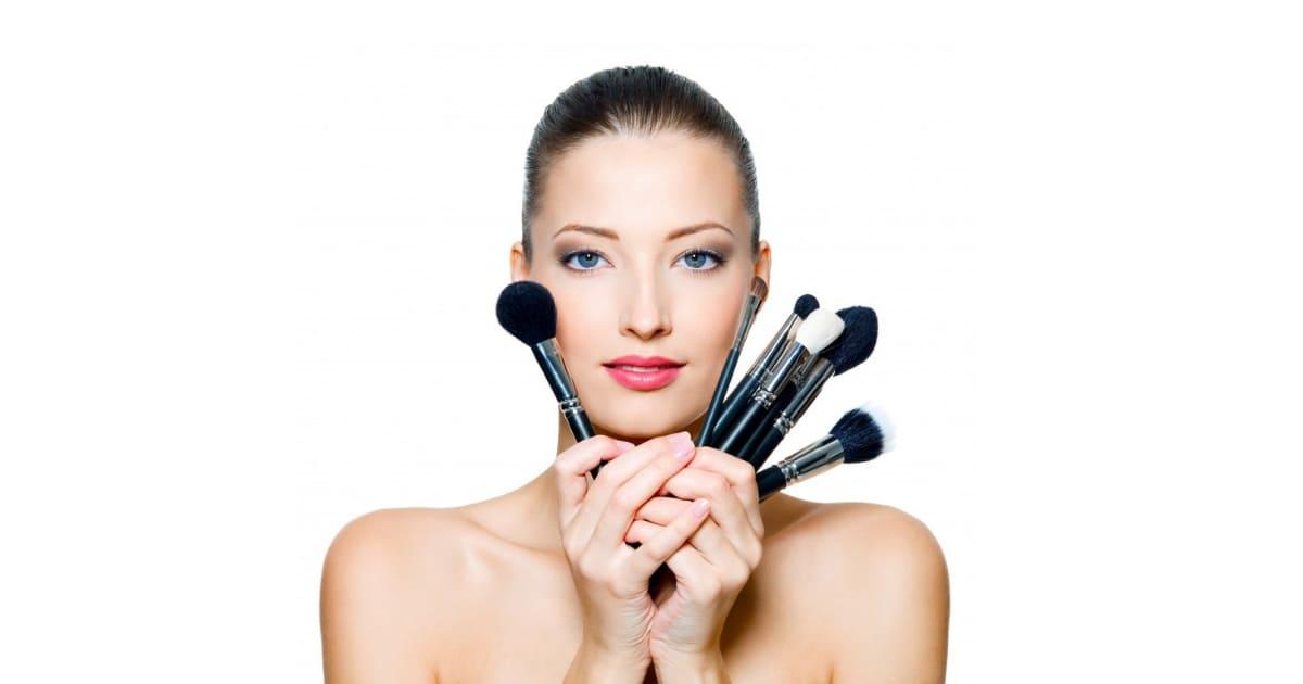 A maquiagem se usada de forma errada pode trazer