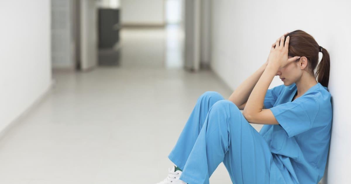 Para enfermeiras, o trauma pode vir com o trabalho