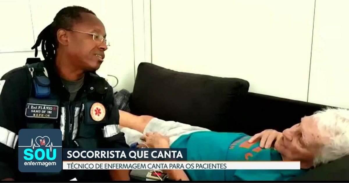 Técnico de enfermagem emociona ao cantar para o paciente após atendimento do SAMU