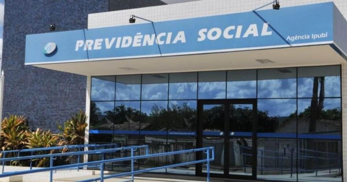 Urgente: Bolsonaro poderá suspender os concursos públicos para os próximos anos