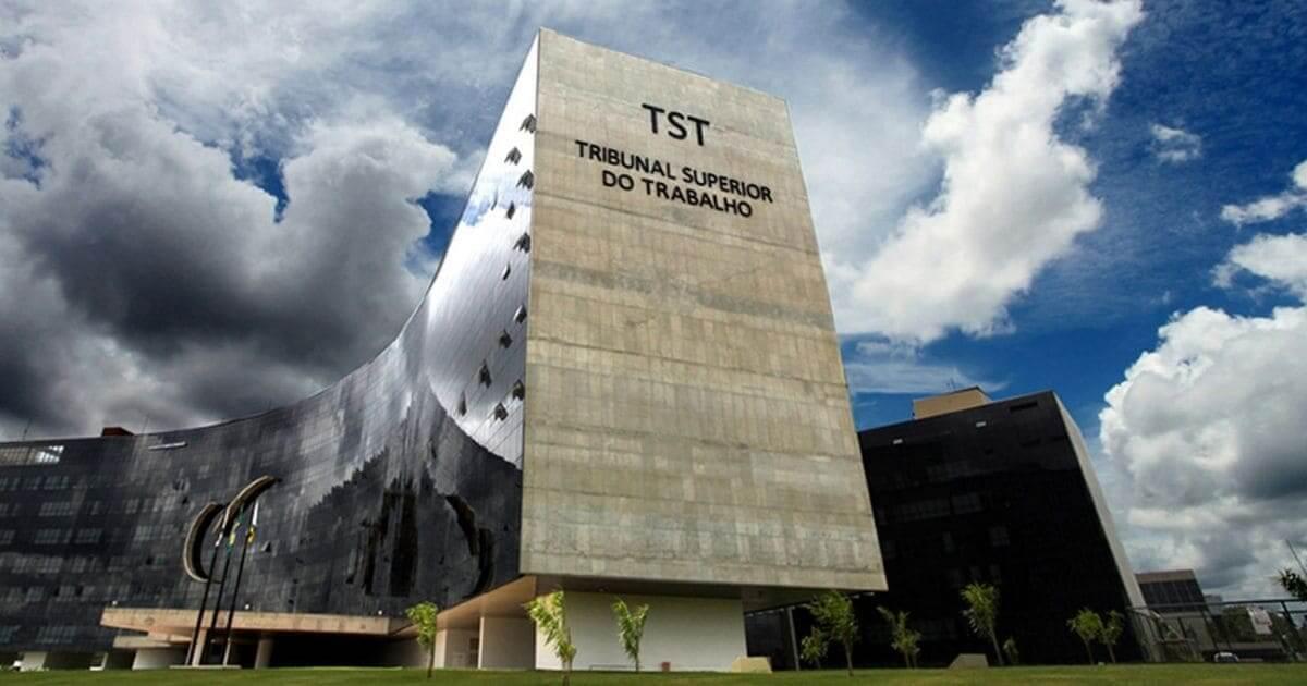 Auxiliar de enfermagem é indenizada por falta grave do empregador decide o TST