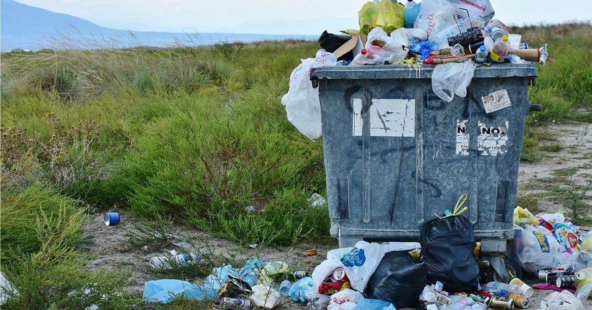 Além de ser inimigo da natureza o plástico também é inimigo da sua saúde