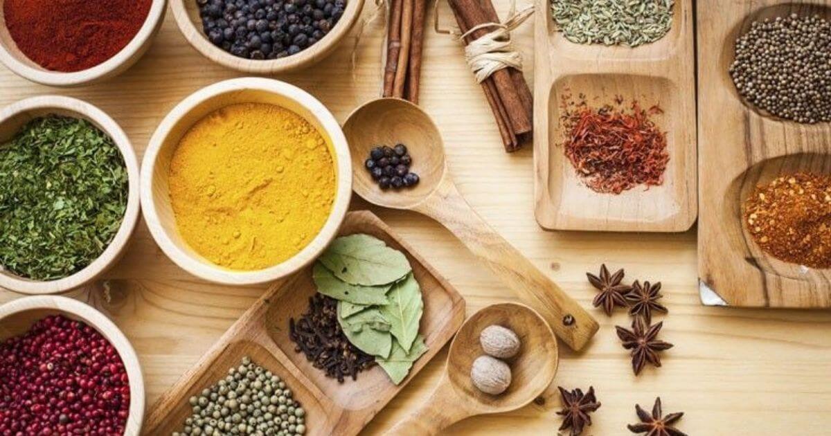 Troque o sal pelos temperos e ervas naturais e ganhe saúde
