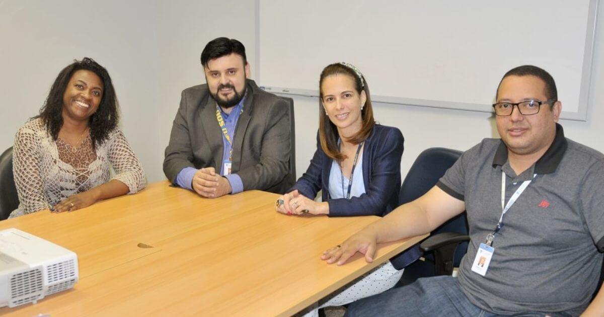 Enfermeira apresenta ao Coren-SP projeto para o treinamento de líderes de equipe