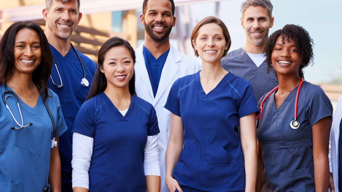 Entenda a diferença entre as entidades da Enfermagem: Conselho, Sindicato e Associação