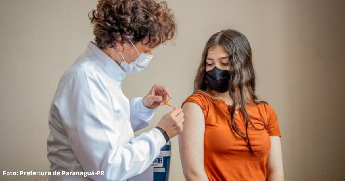 Paranaguá inicia vacina contra para adolescentes de 12 a 17 anos
